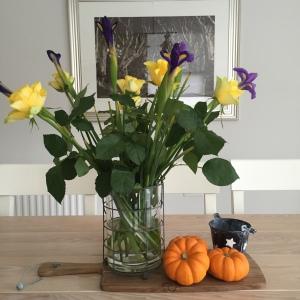 Floral Centrepiece & Pumpkins.